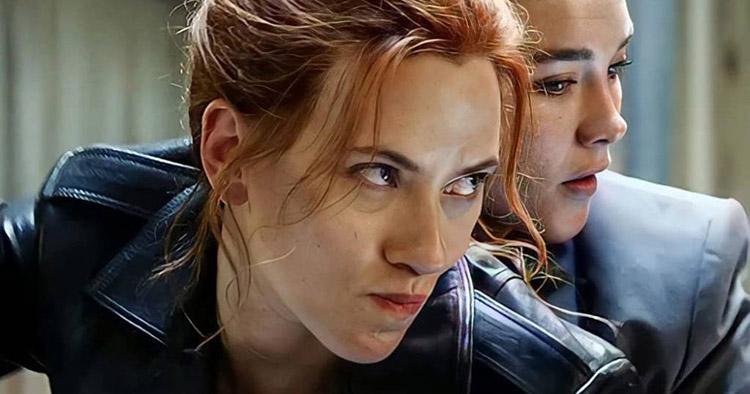 Việc các hãng phát hành các phim bom tấn trên nền tảng trực tuyến song song với rạp đã nảy sinh xung đột quyền lợi với các diễn viên, dẫn đến vụ kiện của Scarlet Johansson với hãng Disney.