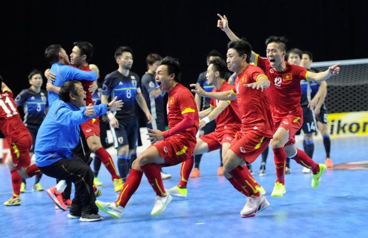 5 năm sau khi giành tấm vé vào vòng đấu loại trực tiếp tại FIFA Futsal World Cup 2016, thầy trò HLV Phạm Minh Giang đã tái lập thành tích này ở FIFA Futsal World Cup 2021.