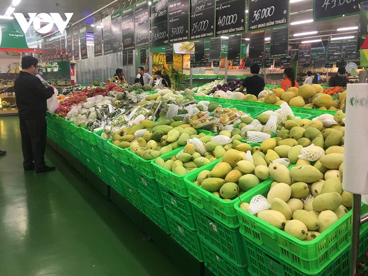 Các hệ thông siêu thị sẽ tiêu thụ nông sản cho bà con vùng dịch.