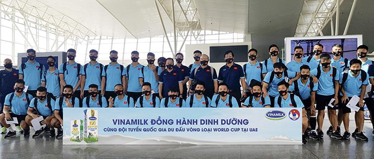 Sản phẩm Vinamilk đồng hành cùng đội tuyển khi tham gia du đấu tại UAE.