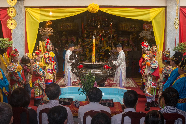 Lễ Khai hạ - Cầu an được cử hành long trọng bên trong chánh điện.