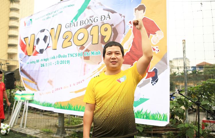 Cầu thủ Mã Quang Tuấn của tuyển Liên quân báo điện tử VOV đại diện cho vận động viên lên tuyên thệ
