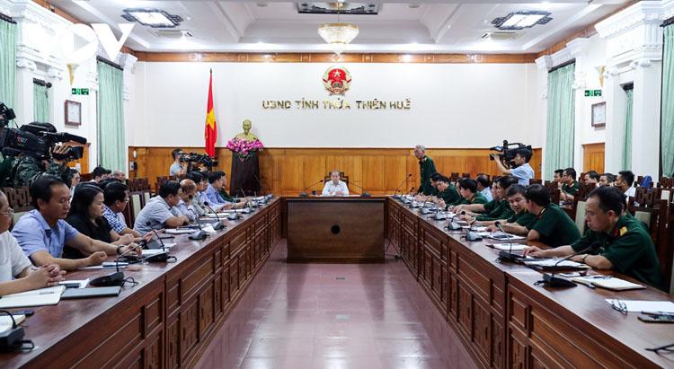 Toàn cảnh cuộc họp triển khai tìm kiếm 16 nạn nhân Thủy điện Rào Trăng 4 mất tích.