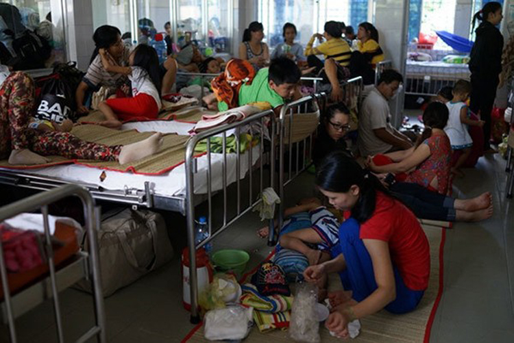 Xóa giường bệnh dịch vụ: Để bất công không còn trong bệnh viện công. Ảnh: KT