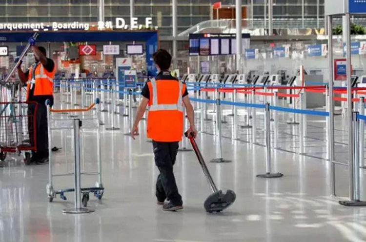 Các sân bay ở châu Âu bắt đầu hoạt động trở lại. Ảnh: Reuters