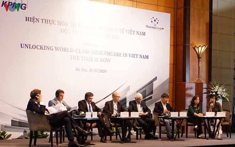Các chuyên gia nước ngoài thảo luận về tiềm năng y tế Việt Nam.