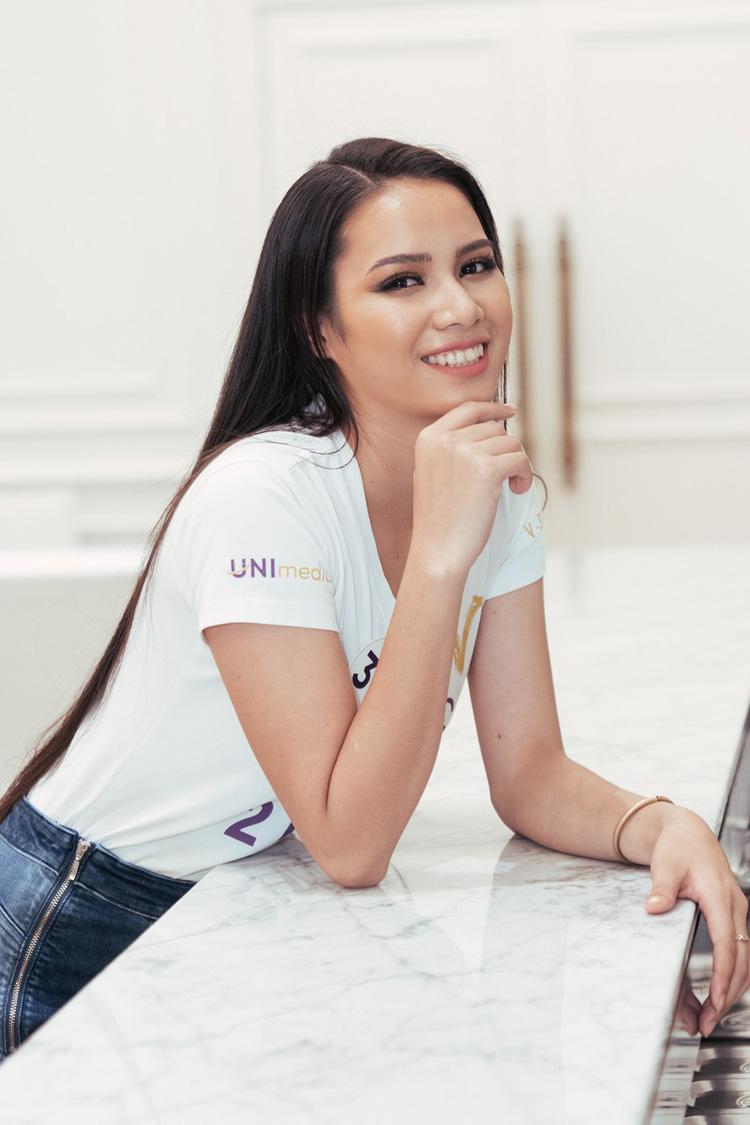 Là nhân tố mới lần đầu chạm ngõ một cuộc thi sắc đẹp, thí sinh H'Luai Hwing (SBD 319) ngay từ khi tham gia cuộc thi đã nhận được nhiều sự quan tâm của khán giả. Từng xuất hiện trong chương trình Brave Tour tại Đắk Lắk, sau 1 tháng, H'Luai Hwing đã cải thiện nhiều về kỹ năng và hình thể, xuất sắc vượt qua nhiều thí sinh khác để là một trong 60 thí sinh chính thức của Hoa hậu Hoàn vũ Việt Nam 2019.