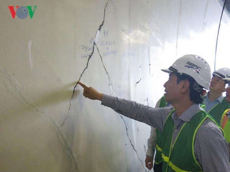 Các vết nứt vỏ hầm đường bộ Hải Vân không ảnh hưởng kết cấu, nhưng việc chậm được xử lý gây cảm giác bất an cho người qua lại hầm đường bộ này.