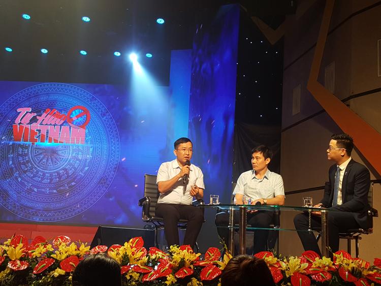 Cách khách mời tham dự Chương trình Tự hào Việt Nam.