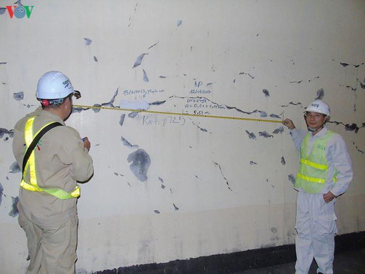 Cơ quan chức năng khẳng định, vết nứt vỏ hầm đường bộ Hải Vân không ảnh hưởng đến kết cấu, chịu lực bên trong.