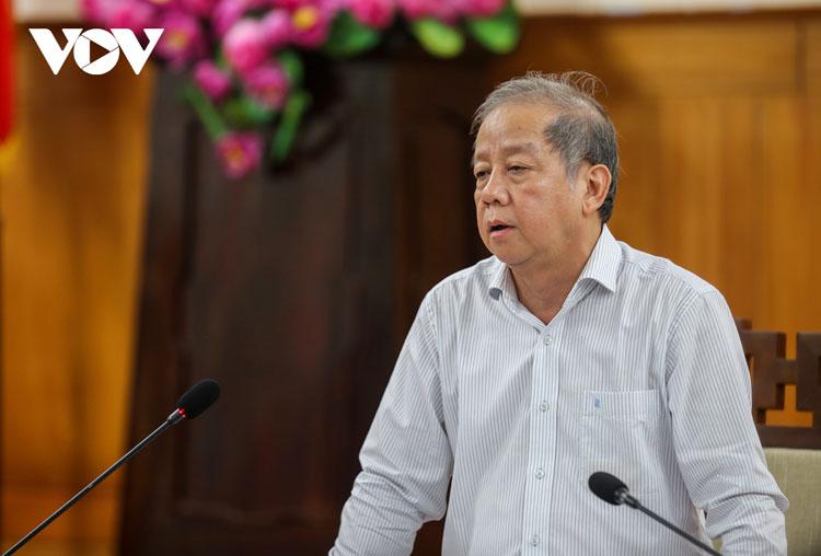 Ông Phan Ngọc Thọ - Chủ tịch UBND tỉnh TT Huế chủ trì cuộc họp.