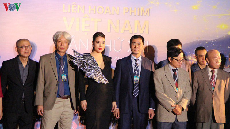 Liên hoan phim Việt Nam lần thứ 21 quy tụ nhiều nhà làm phim, đạo diễn, diễn viên nổi tiếng của cả nước.