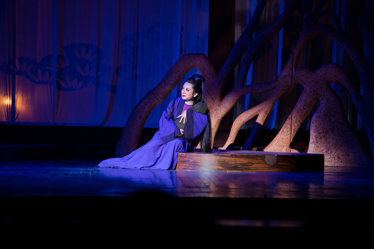 Sự thành công của nàng Tô Thị còn bởi Thu Trang đã đầu tư xứng đáng vào khâu tạo hình nhân vật.
