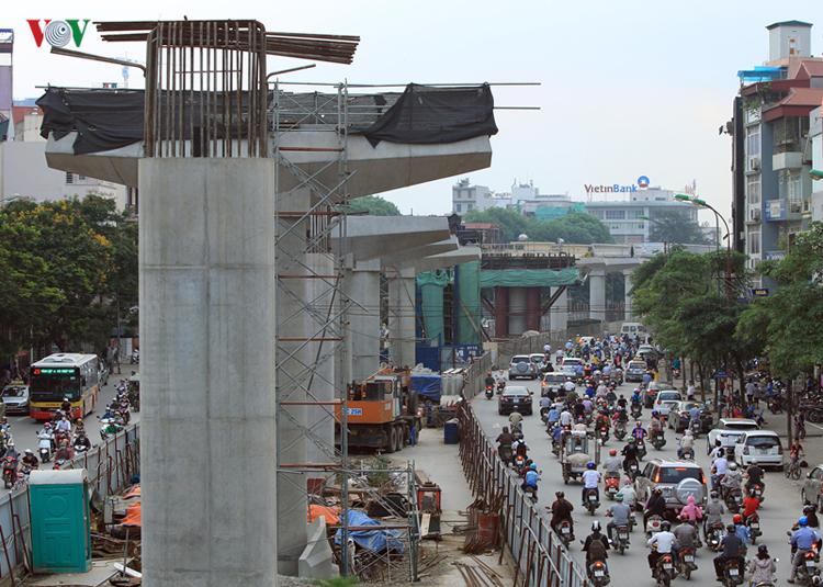 Bài học từ tuyến đường sắt Cát Linh - Hà Đông vẫn còn đó, càng kéo dài dự án Việt Nam sẽ càng thiệt.