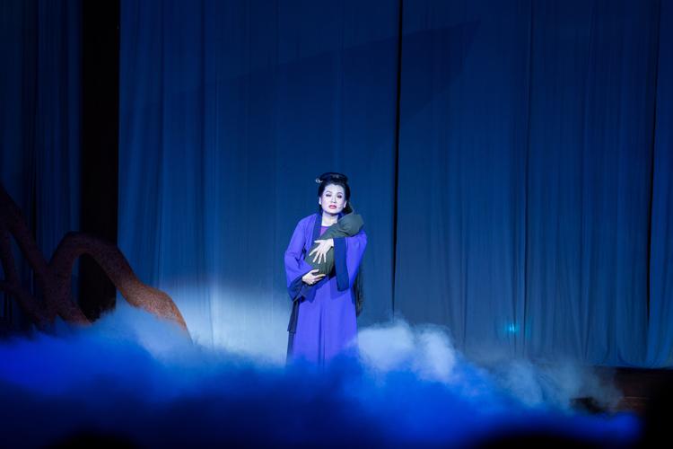 NSƯT Thu Trang trong vai nàng Tô Thị.